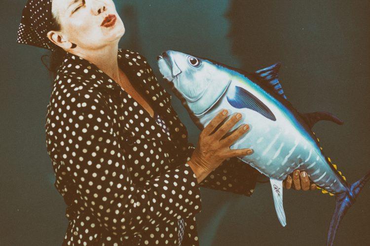 Amanda - kiss the fish
