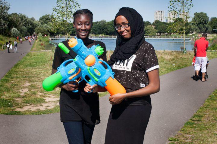 girls super soaker water-battle-burgess-park-london-summer-2016